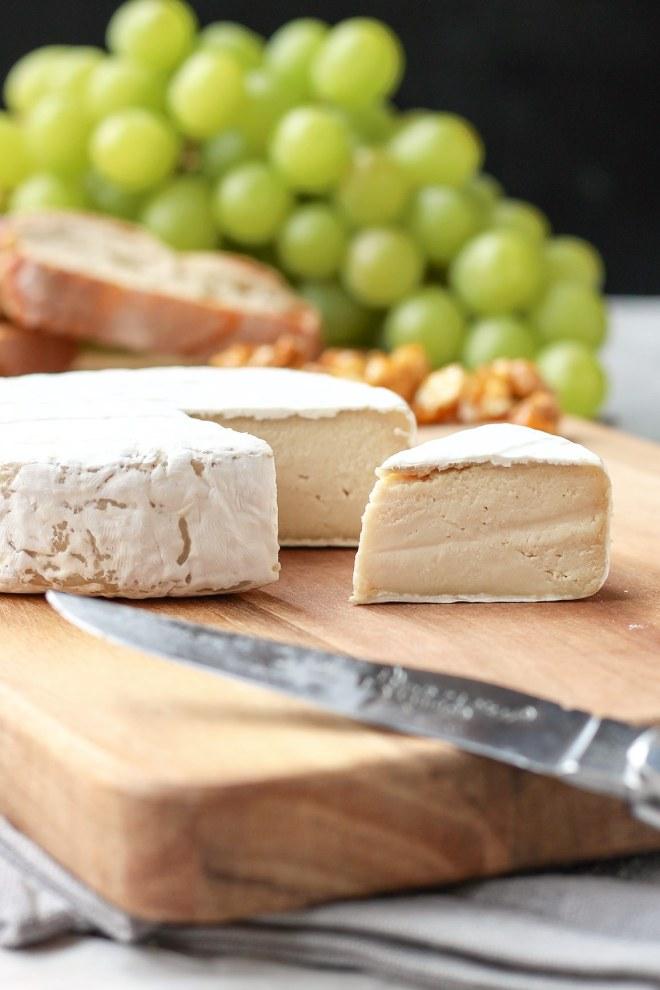 vegan-aged-camembert-cheese-12